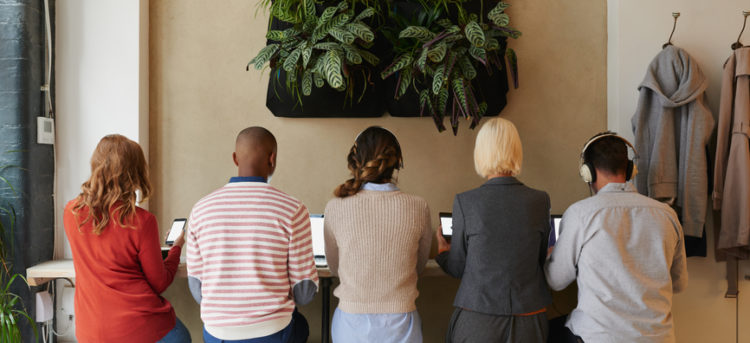 My Earnings Jumped When I Left My Home Office for a Co-Working Space