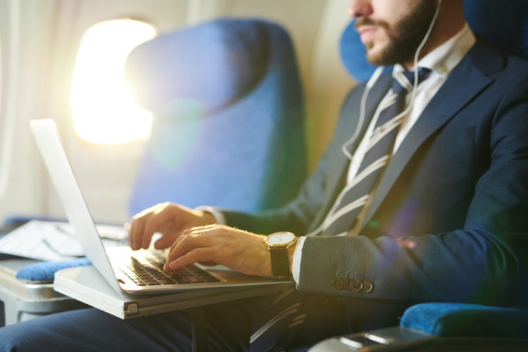 8 Business Travel Tips from Frequent Fliers
